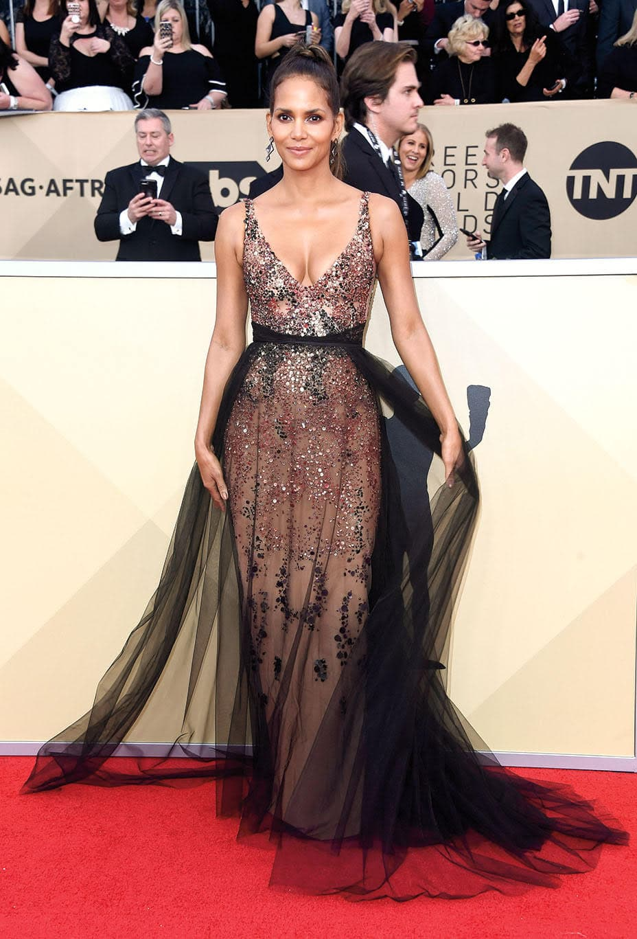 Halle Berry at the 2018 Screen Actors Guild Awards